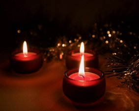 med_candle_wallpaper_candle_1018